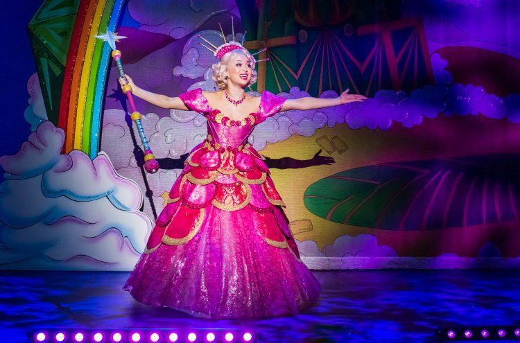 Katya Jones joins New Theatre Pantomime